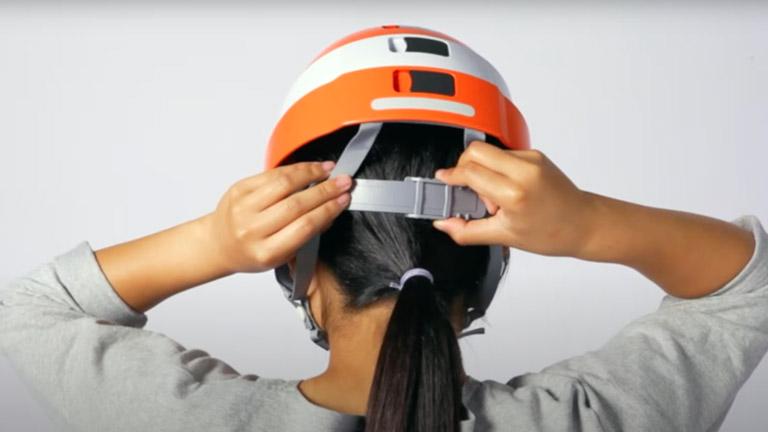 防災用折りたたみヘルメット IZANO(イザノ)のフィット感